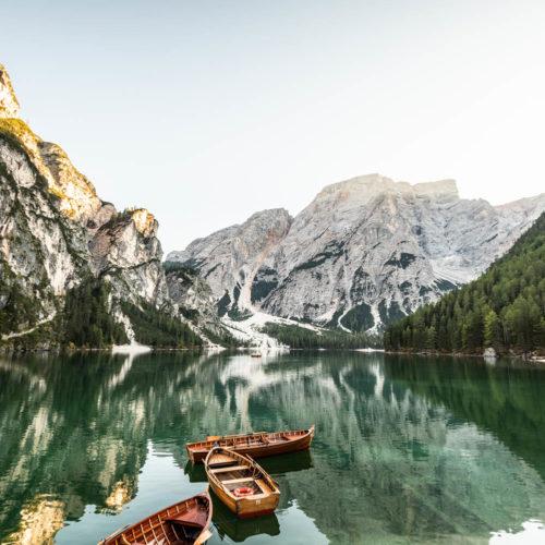 Wandbild Pragser Wildsee Steg Bergsee